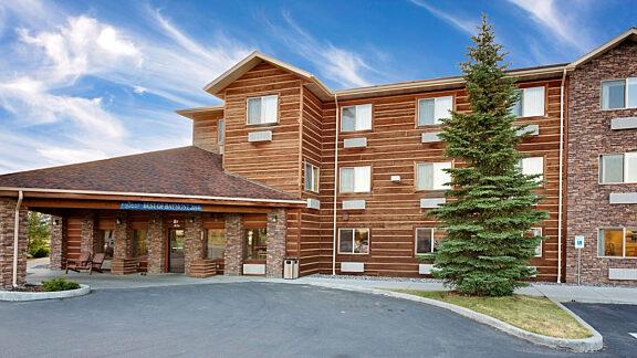 Visit Pinedale Baymont Inn Suites 1