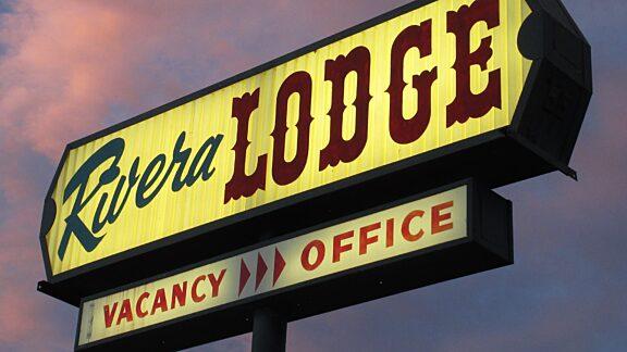 Visit Pinedale Rivera Lodge 1