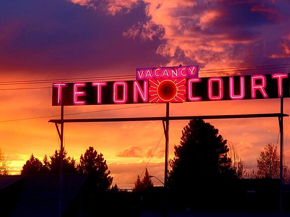 Teton Court Motel