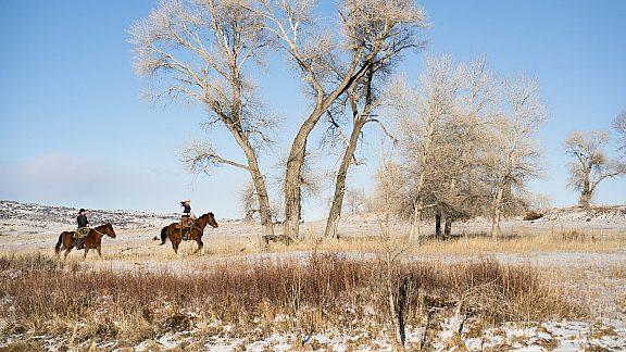 Winter Horseback Riding - Visit Pinedale, WY