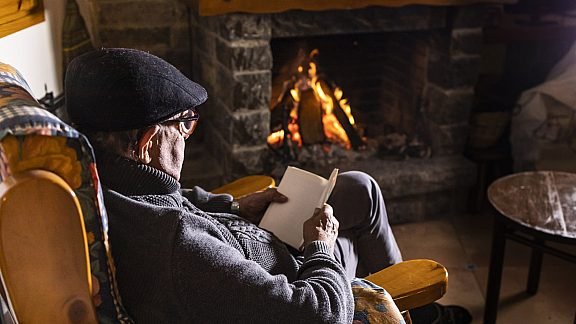 Winter Relaxing by the Fire - Visit Pinedale, WY
