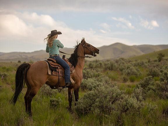 Horseback Riding Soda Lakes Visit Pinedale