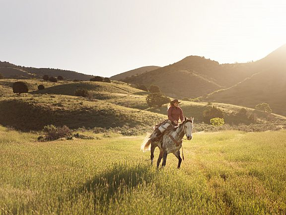 Summer Horseback Riding - Visit Pinedale, WY