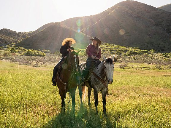 Summer Horseback Riding - Visit Pinedale, WY -