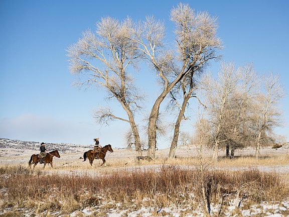 Winter Horseback Riding - Visit Pinedale, WY